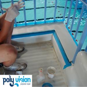 Polyester aanpassen van instapbak waterglijbaan, waterglijbaan renovatie/onderhoud/reparatie, polyester reparatie