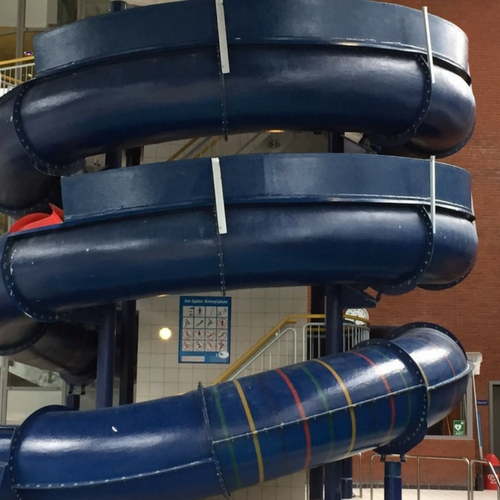 Onderhoud en reparatie polyester waterglijbaan Optisport zwembad Sloterparkbad Amsterdam (Noord-Holland), polyester reparatie, renovatie, onderhoud, polyester herstel, coating