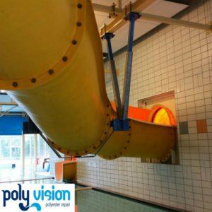 Reparatie, renovatie en vervangen bouten polyester waterglijbaan - zwembad De Broene 'eugte in Staphorst (Overijssel), polyester reparatie, renovatie, onderhoud, polyester herstel, coating