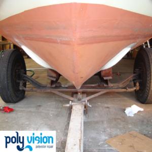 Boegschroef inbouwen in polyester boot, polyester reparatie