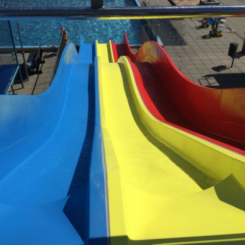polyester reparatie, renovatie en onderhoud van polyester waterglijbanen en waterattracties