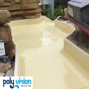 Reparatie, onderhoud en coaten polyester waterglijbaan en wildwaterbaan zwembad Swimfun